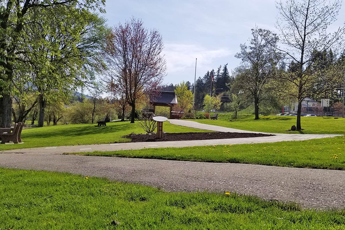 Memorial Walkway